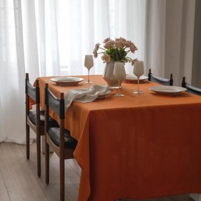 Orange dukning från Linneverket