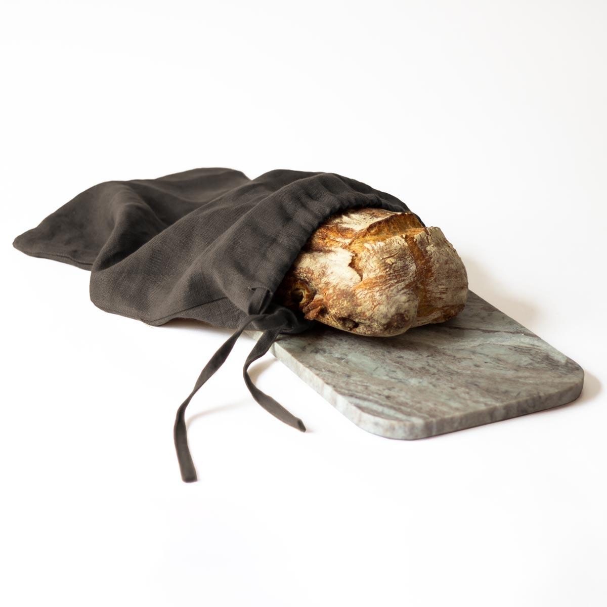 Grå brödpåse i 100% linne. Rena lyxen för ditt nybakta bröd!